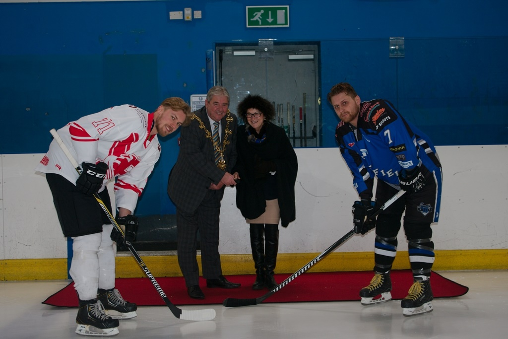 The Lord Mayor & Caroline Theobald with the ceremonial puck drop